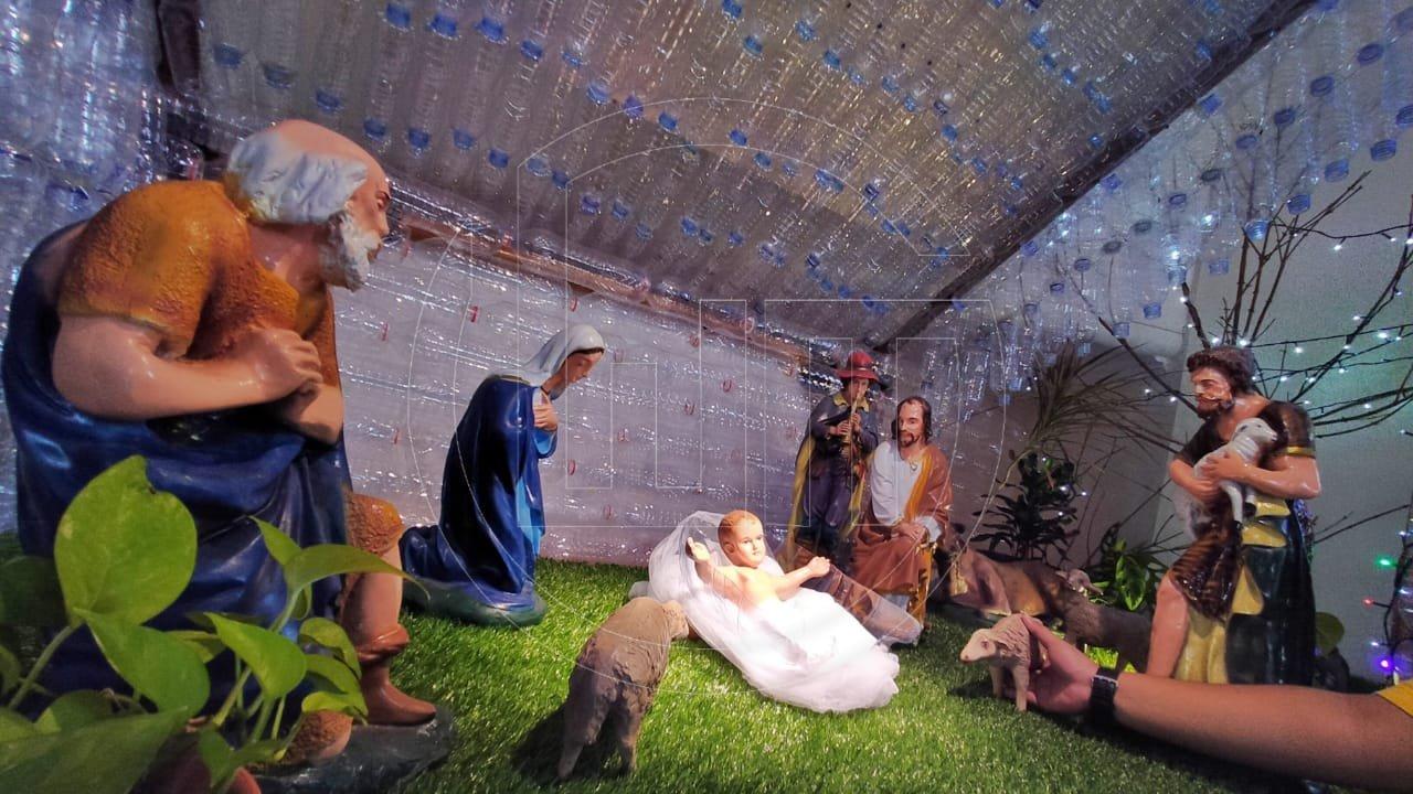 Dekorasi Gua Natal Bertemakan Lingkungan