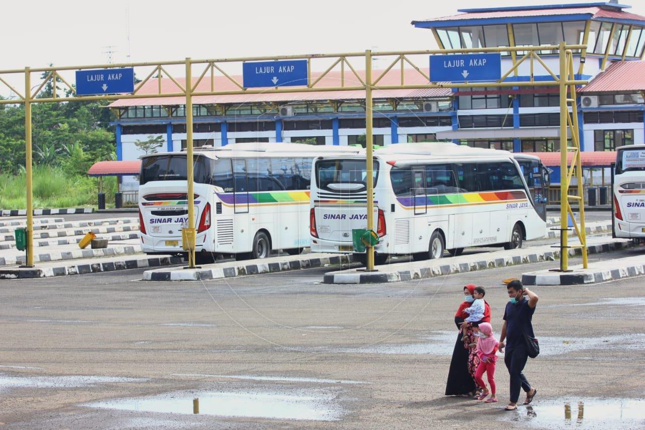 Penumpang Terminal Jatijajar Menurun Selama PPKM