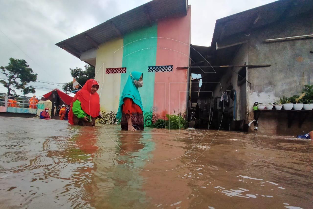 Banjir Rendam Pemukiman Warga