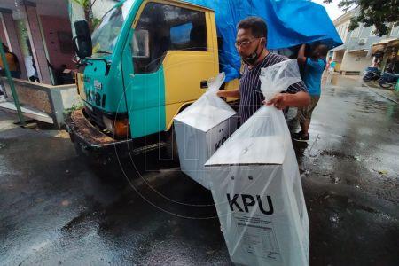 Logistik Pilkada Kota Depok Mulai Didistribusikan