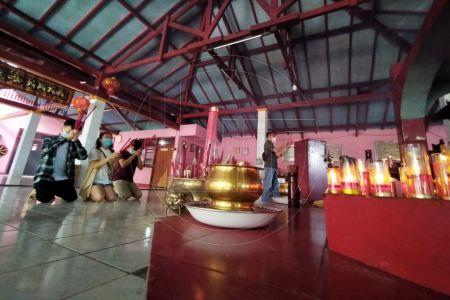 Ibadah Imlek 2572 di Depok