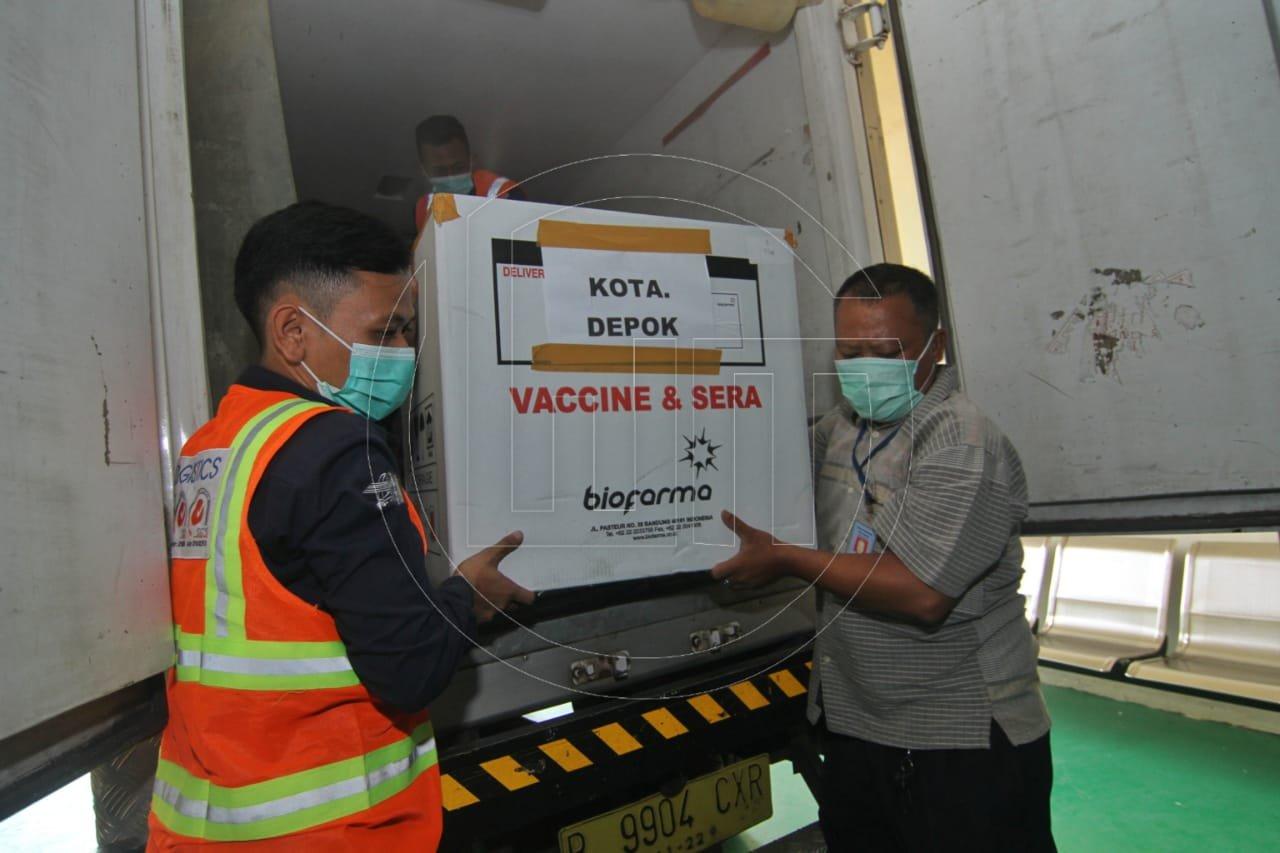 Kedatangan Vaksin COVID-19 Di Kota Depok