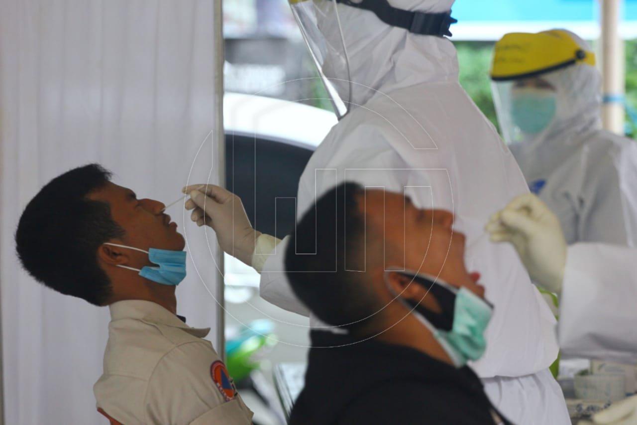 Swab Test Massal Untuk Mencegah Penyebaran COVID-19