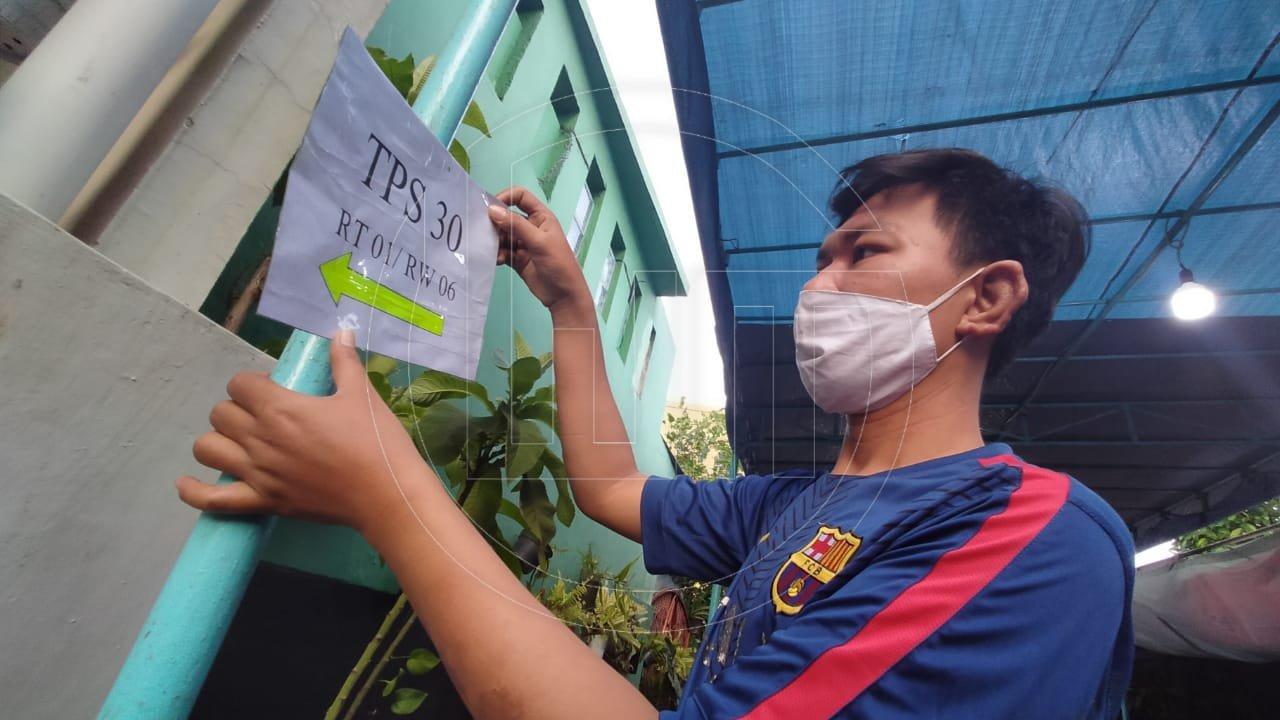 Persiapan TPS Menjelang Pemungutan Suara