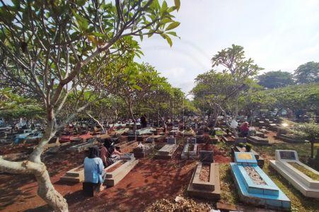 Lahan Pemakaman di Depok Kian Menyusut
